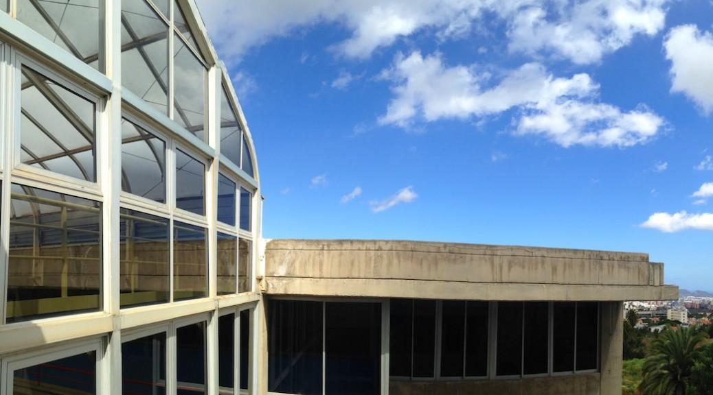 Vista particular del edificio de la Escuela de Arquitectura de Las Palmas de Gran Canaria