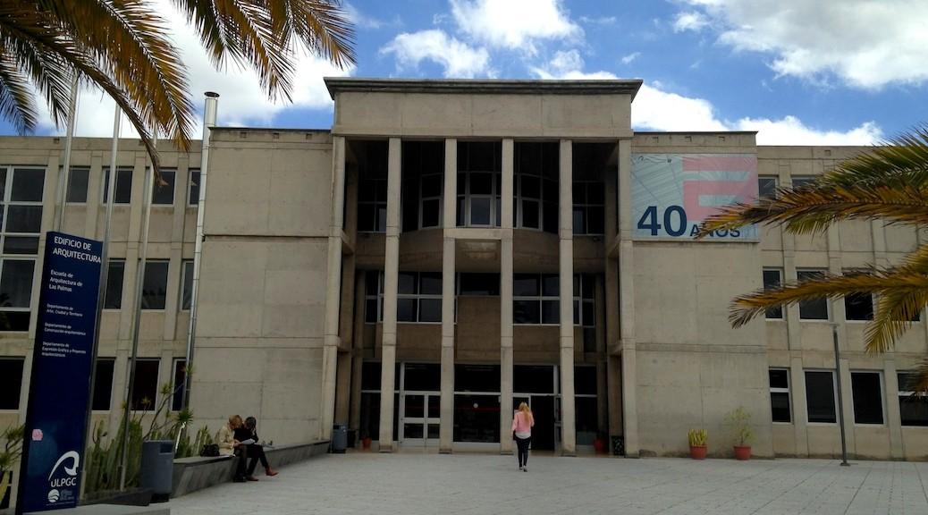 Fachada principal de la Escuela de Arquitectura de Las Palmas de Gran Canaria